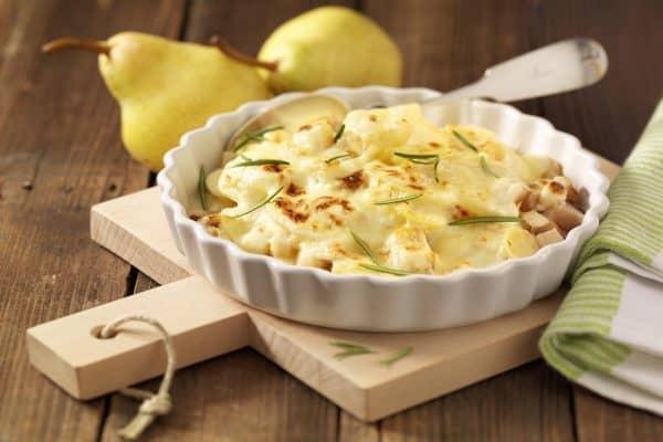 Leckeres Gericht aus der Mikrowelle: Kartoffelgratin mit Birnen.
