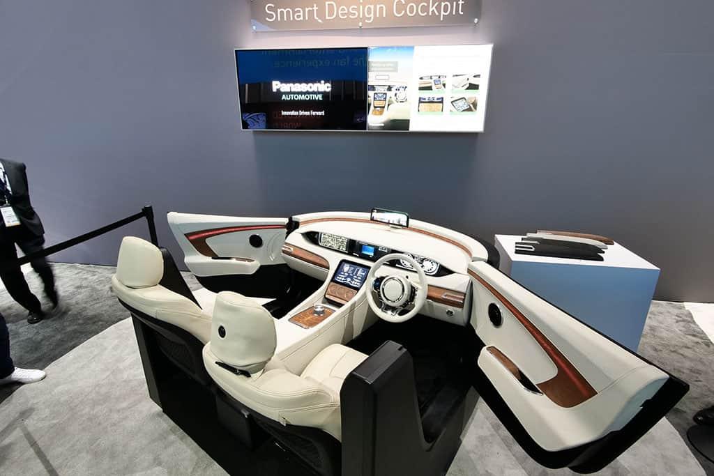 Smart Design Cockpit von Panasonic bei der CES 2018 in Las Vegas